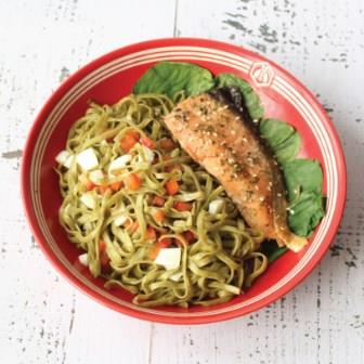 Broccoli Noodle with Salmon Muscle